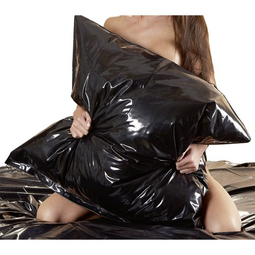 black-vinyl-pillow-case-1-500×500